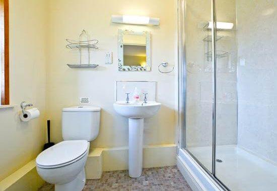 The Deeps Bathroom